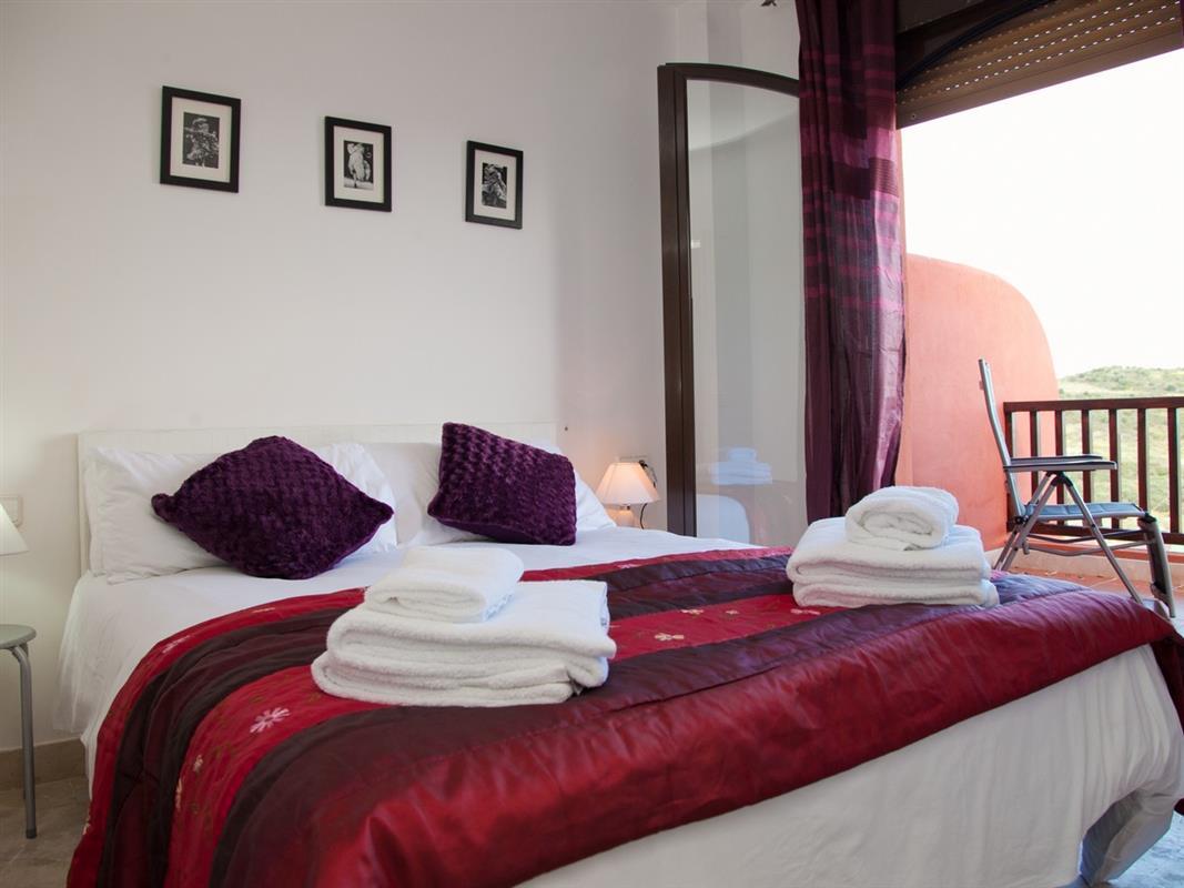 Urlaub in spanien leuke gezinswoning 450 meter van het strand costa galera estepona west - Het creeren van een master suite ...