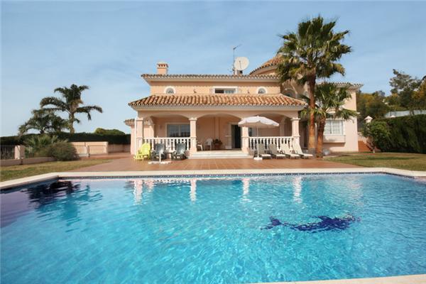 Urlaub in spanien mooie grote familievilla met zwembad en tuinen don pedro estepona west - Mooie huis foto ...