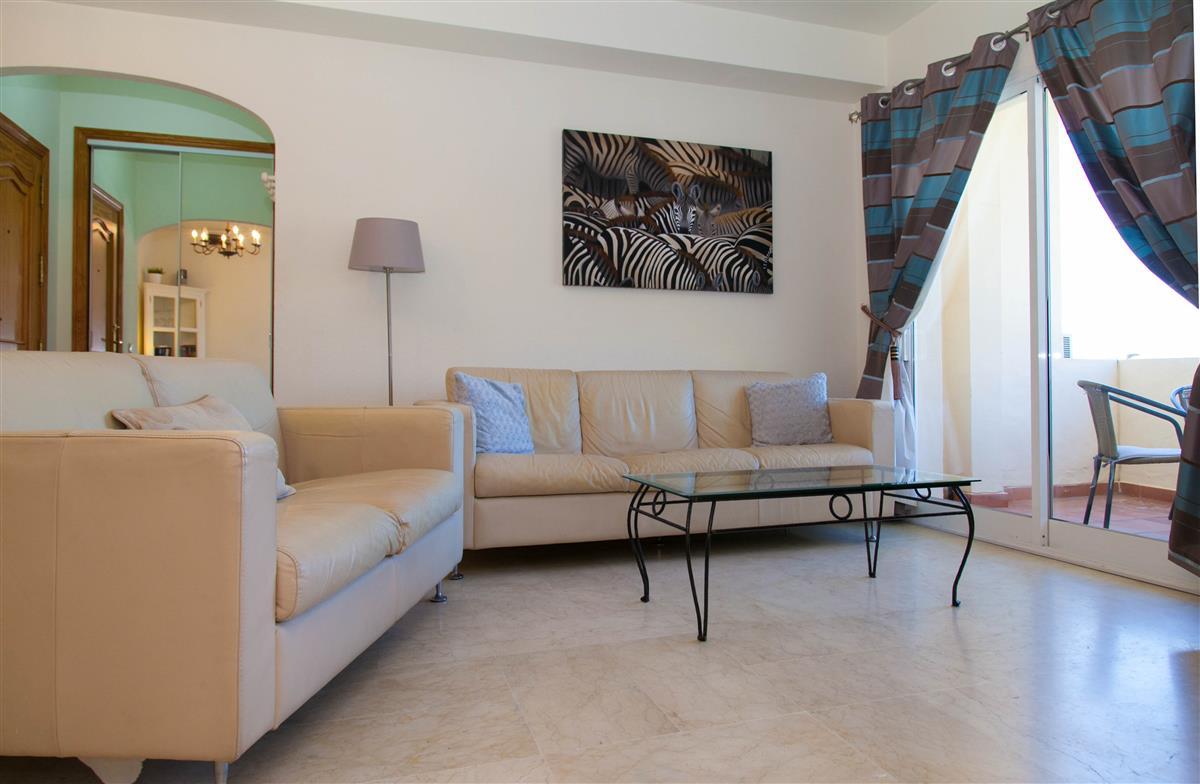 Vakantieverhuur costa del sol villa verhuur marbella woning verhuur estepona villas - Moderne lounges fotos ...