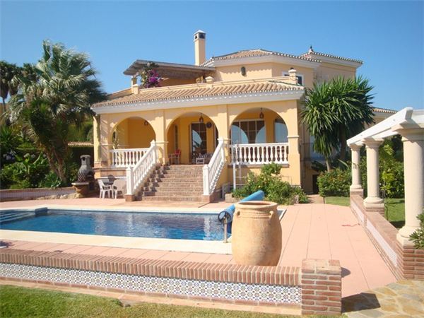 Luxury villa with amazing sea views and adsl holiday rental in seghers estepona town costa del for Luxury holiday rentals ireland swimming pool